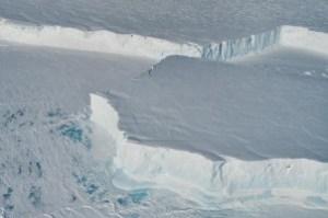 immagine news maxi-iceberg-distacco-antartide-grande-tre-volte-manhattan