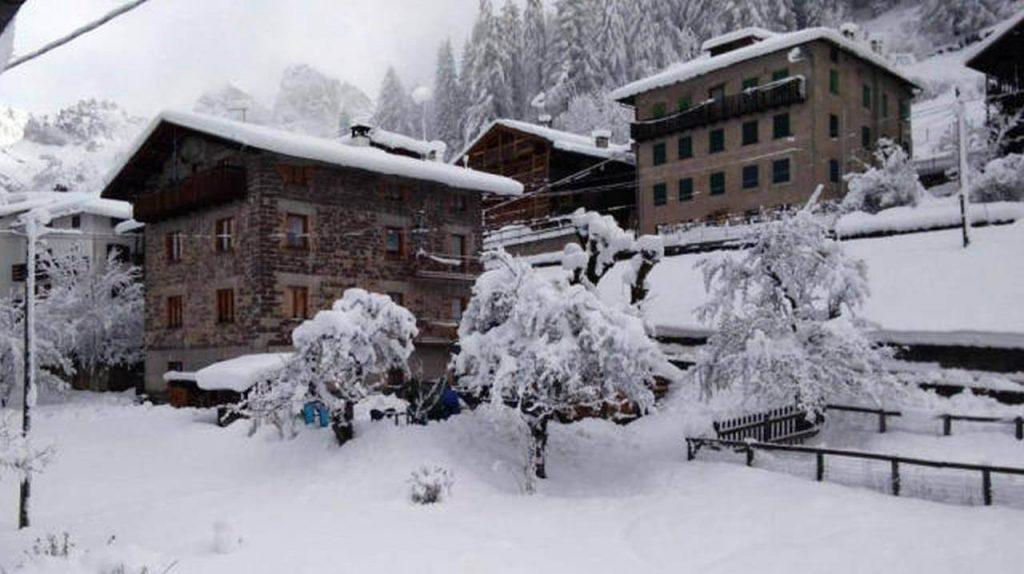 METEO, l'inverno tardivo a Maggio con apoteosi di neve fino a bassa quota