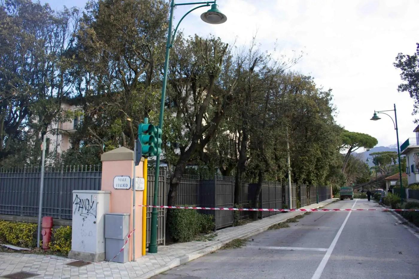 Maltempo a Forte dei Marmi danni anche nella casa di Andrea Bocelli FOTO