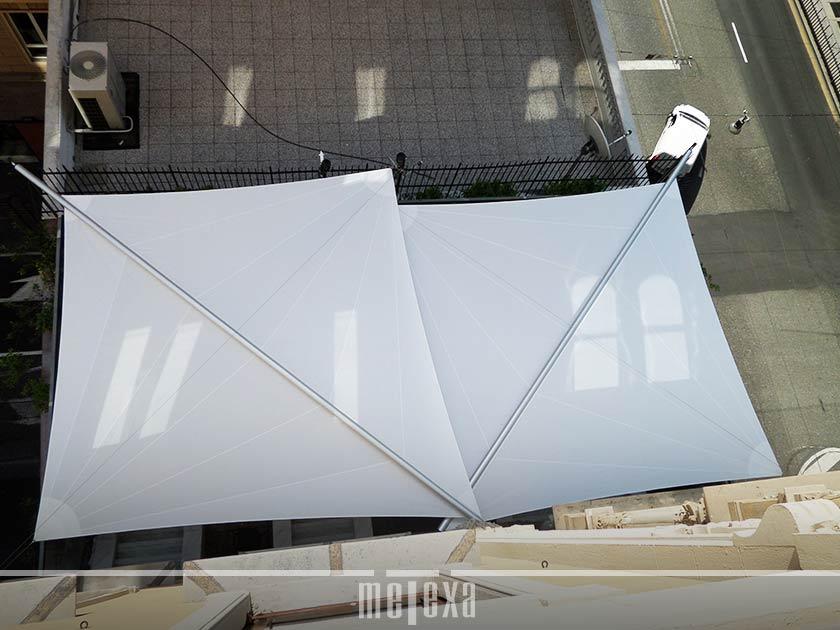 Tende da sole a vela triangolari o rettangolari, fisse o mobili, per locali commerciali e privati. Tende A Vela Meglio Avvolgibili O Fisse Coperture Metexa
