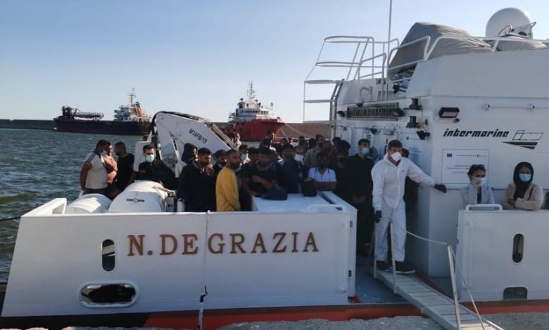 Photo of Nuovo sbarco di migranti: arrestati due scafisti