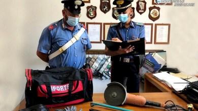 Photo of Gli svaligiano casa mentre è a un matrimonio: arrestati