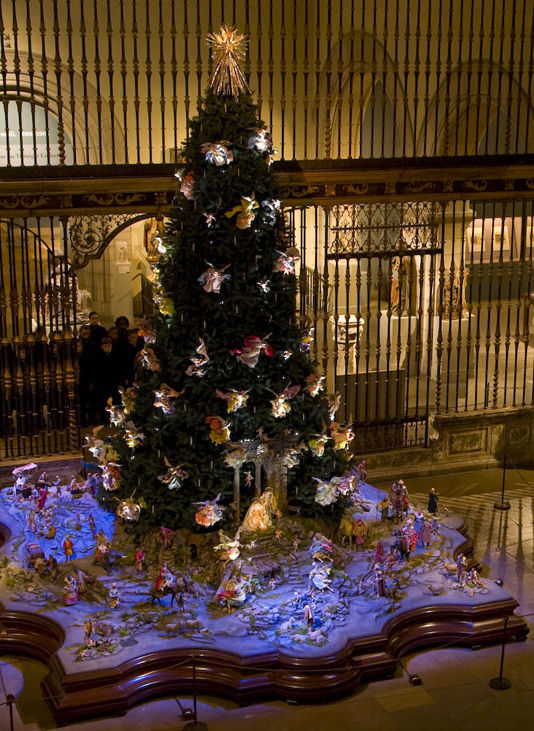 Christmas Tree And Neapolitan Baroque Crche