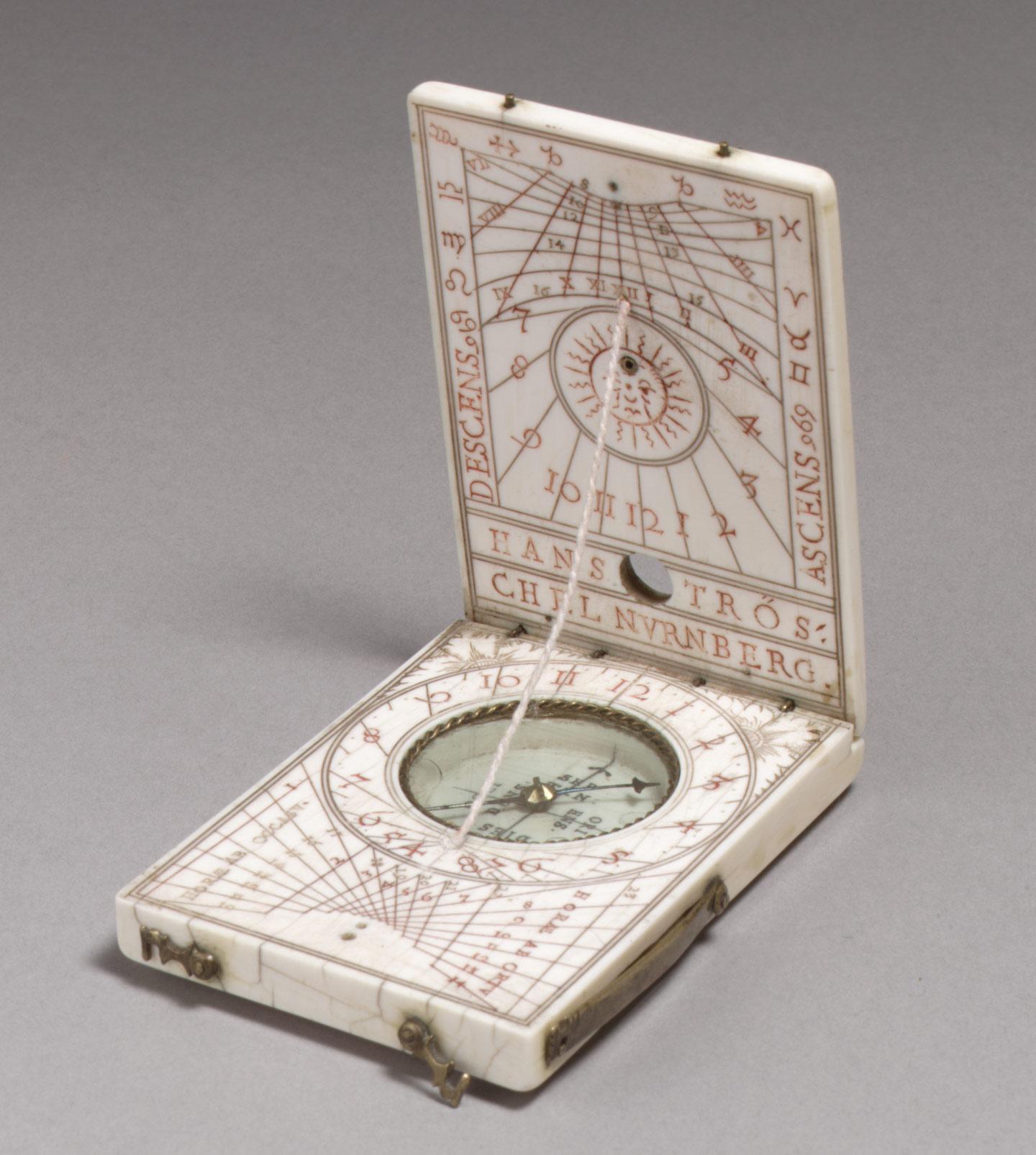 Portabel diptych sundial, Metropolitan Museum of Art