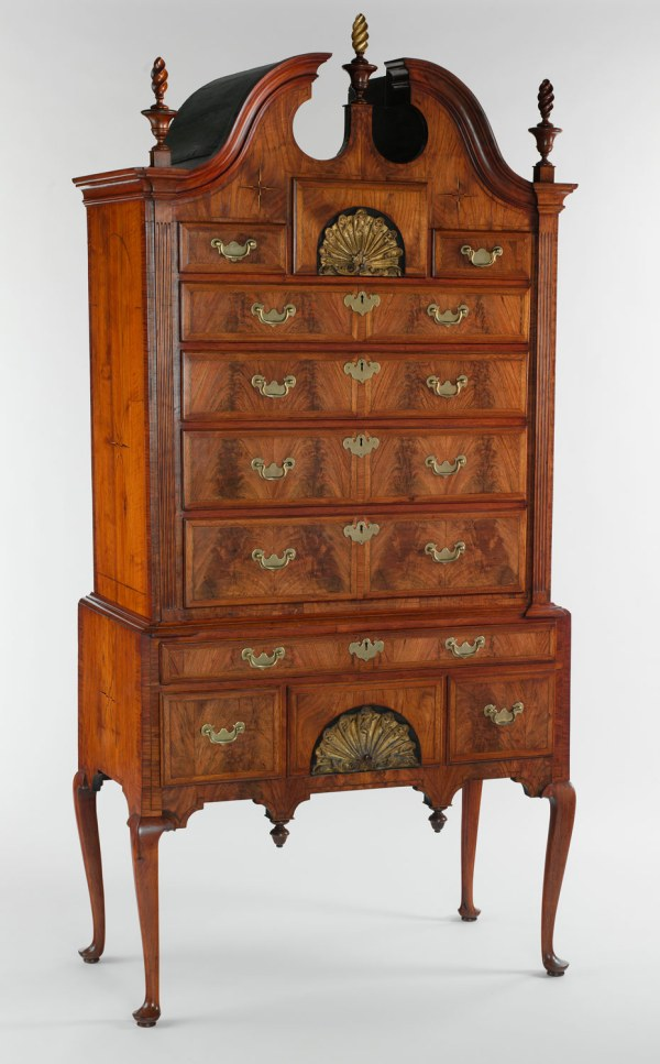 American Antique Queen Anne Style Furniture