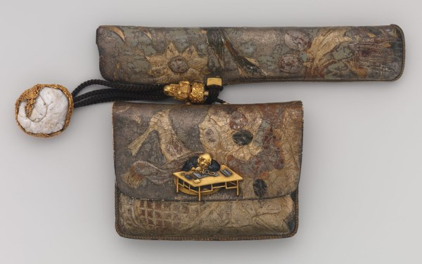 Tobacco Pouch And Pipe With Netsuke Of Freshwater Pearl In Gold Mount Work Art Heilbrunn