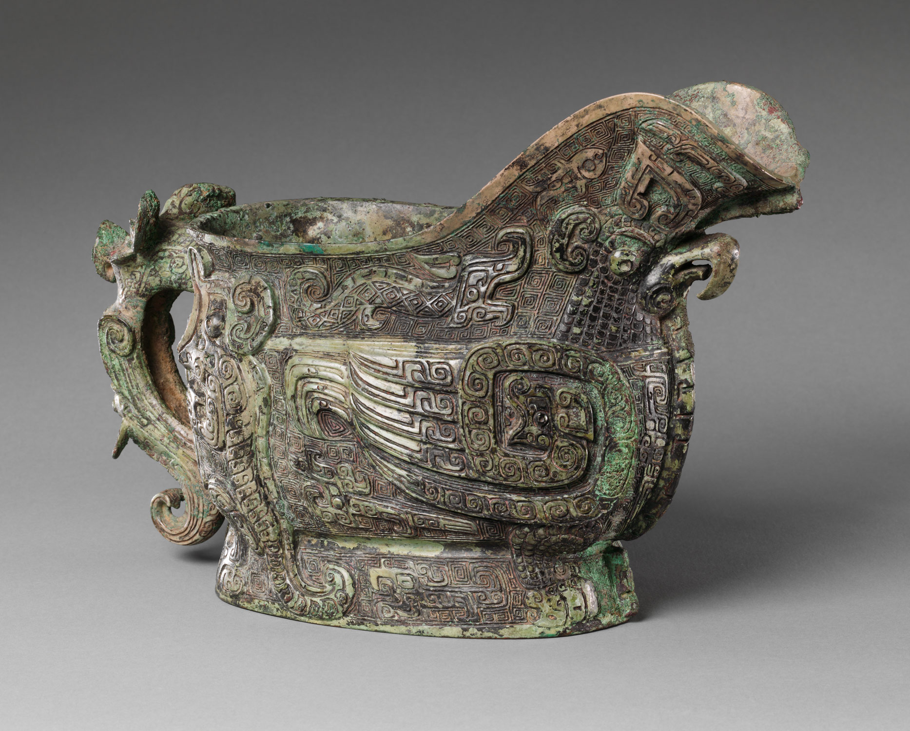 Spouted Wine Vessel (Gong)