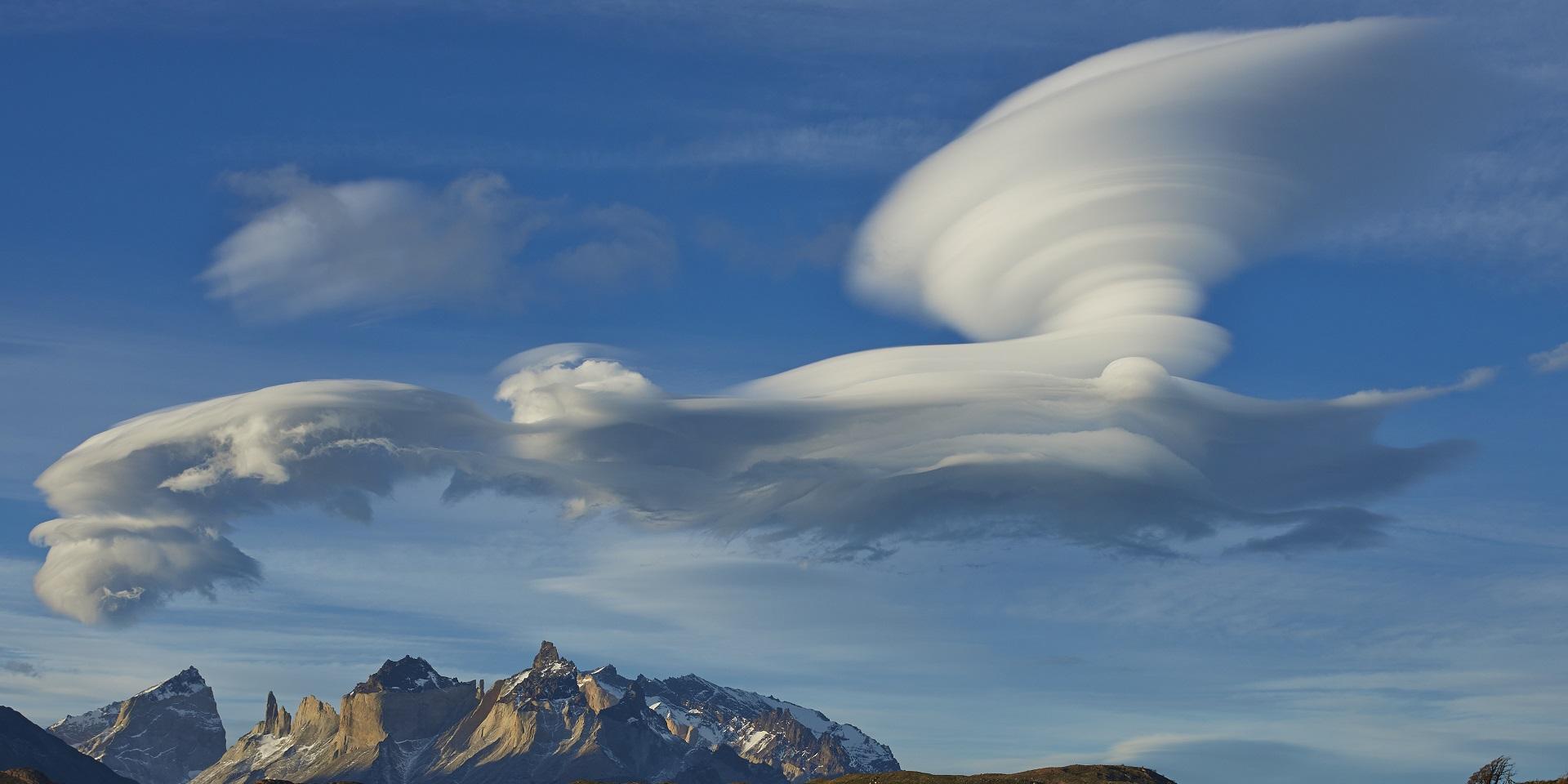 lenticular clouds met office