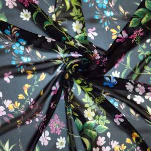 Chiffon crepe viscosa – floreale fondo nero