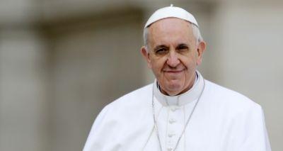 Papa pede que fiéis tratem a Bíblia com a mesma atenção dada ao celular