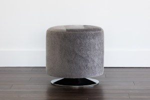 DOMANI SWIVEL OTTOMAN – SMALL – GREY FAUX FUR