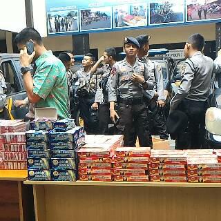 228 pak petasan berhasil diamankan petugas