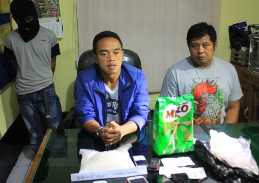 Kapolres Tarakan AKBP Dani Hamdani (kiri) saat memberikan keterangan pers saat penangkapan kurir sabu di Kota Tarakan.