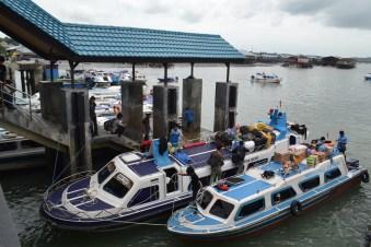 Suasana penumpang di Pelabuhan Tengkayu II Kota Tarakan.