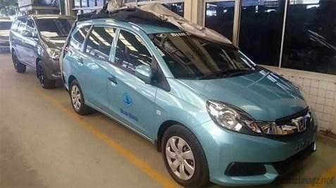 Honda Mobilio yang dijadikan taksi argo.