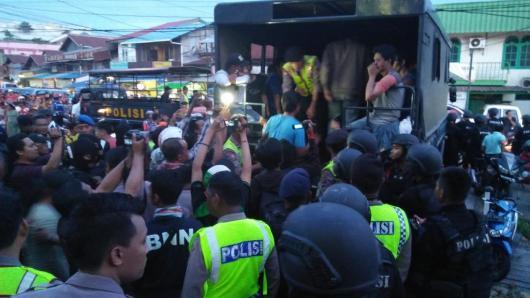Puluhan warga di kawasan Lambung Mangkurat terjaring razia gabungan Narkoba.