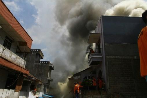 Kondisi kebakaran di Gang Gajah Mada 2, Jl. Gajah Mada, Pontianak, Senin (9/5).