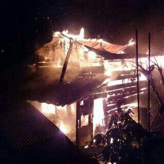 Rumah milik Beki di RT 51 Jl WIjaya Kusuma III habis terbakar.