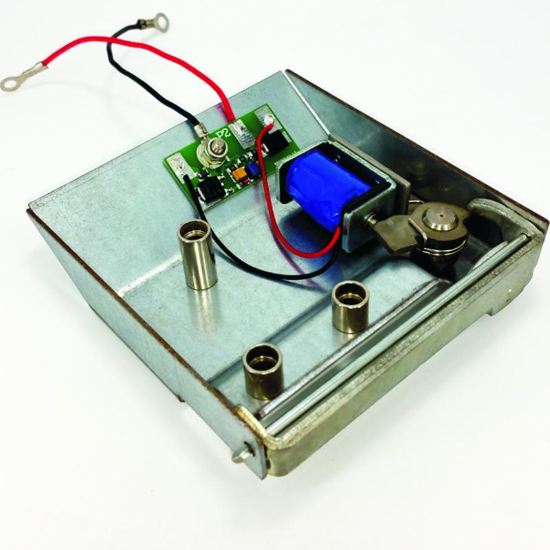 Elektronisch slot met solenoide