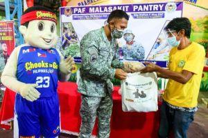 Marcial, returns favor in Chooks, PAF 'community pantry'