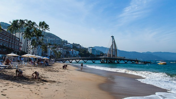 Playa Los Muertos, Puerto Vallarta (Photo: Bob McCuaig/Flickr)