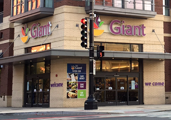 Giant Food store - Photo: JD Uy