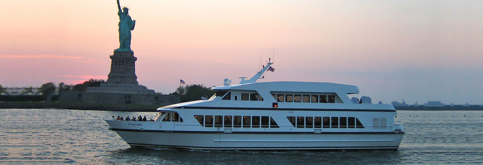 NYC Luxury Yacht Charters Amp Private Party Boats Metro Yacht Charters Of New York