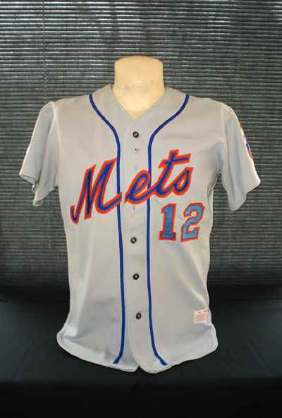 d58ed11f1 Osh41 continues his series of looks back at Mets uniforms.