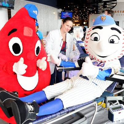 mr met gives blood