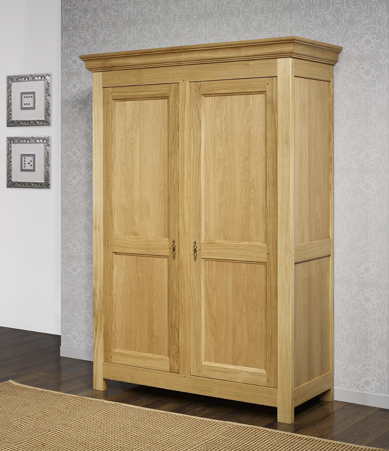 armoire 2 portes en chene massif de style campagnard meuble en chene massif