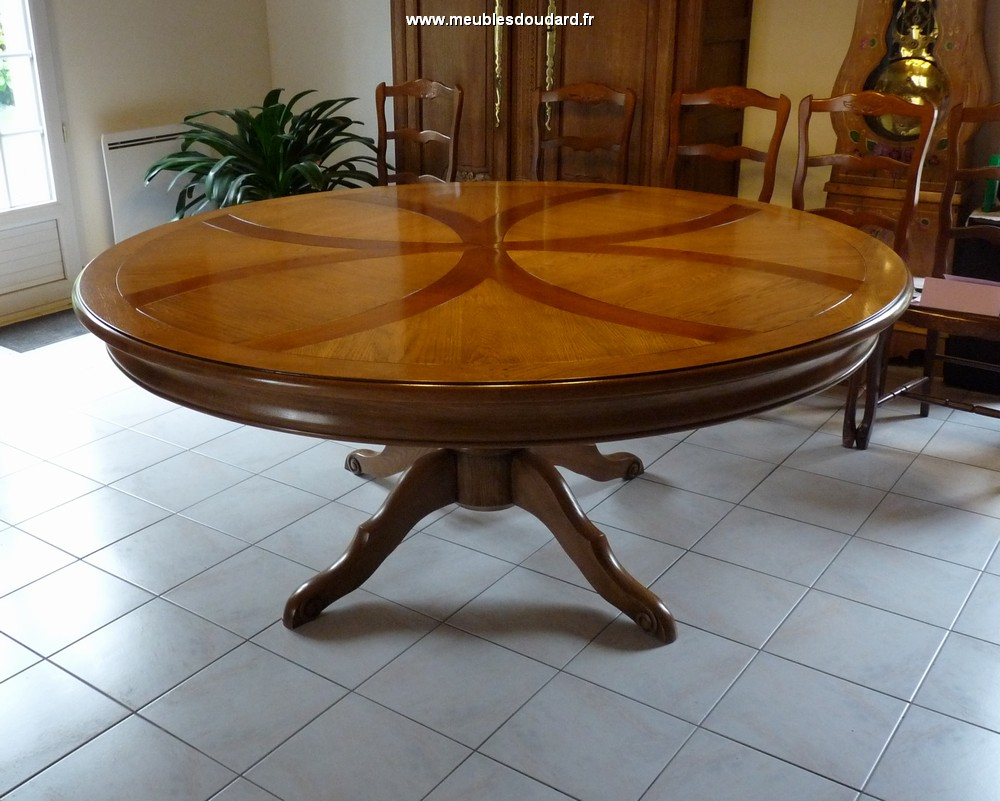 grande table ronde pied central en chene massif
