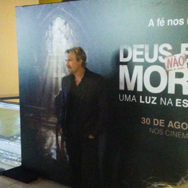 David A. R. White em evento de divulgação no Brasil do filme Deus Não Está Morto 3