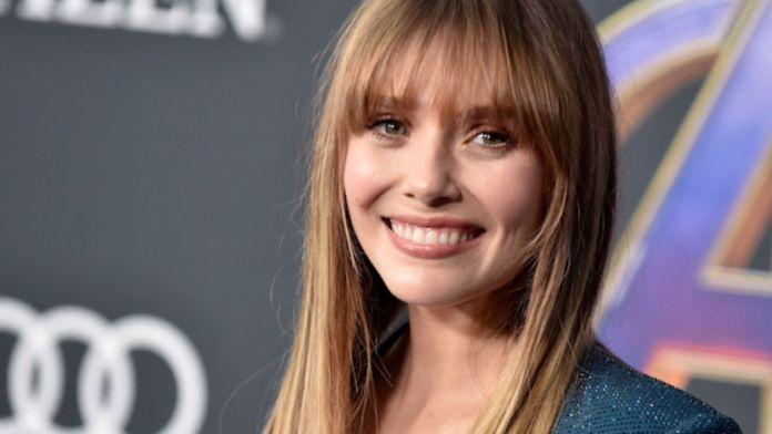 Elizabeth Olsen cancela aparição em convenção enquanto filmagens de