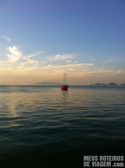 Barco na Baía Norte - Floripa