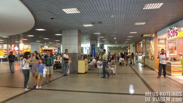Praça de alimentação do Aeroporto de Salvador
