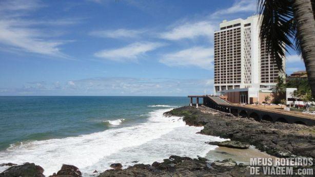 Vista da piscina do Hotel Mercure Salvador Rio Vermelho