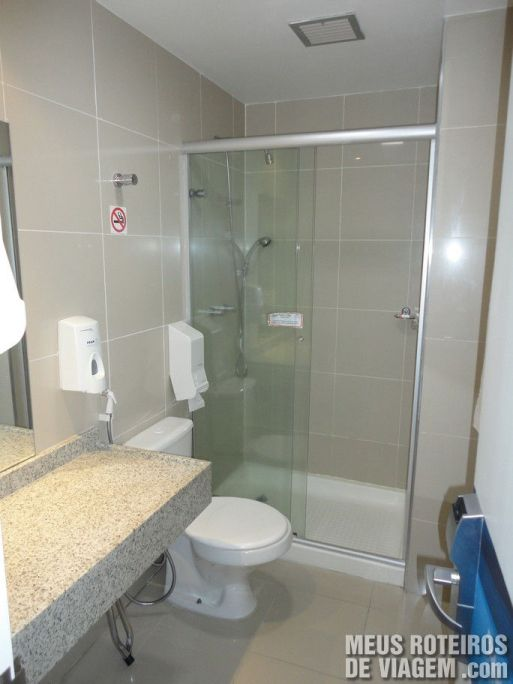 Banheiro do Hotel Slaviero Fast Sleep - Aeroporto de Guarulhos