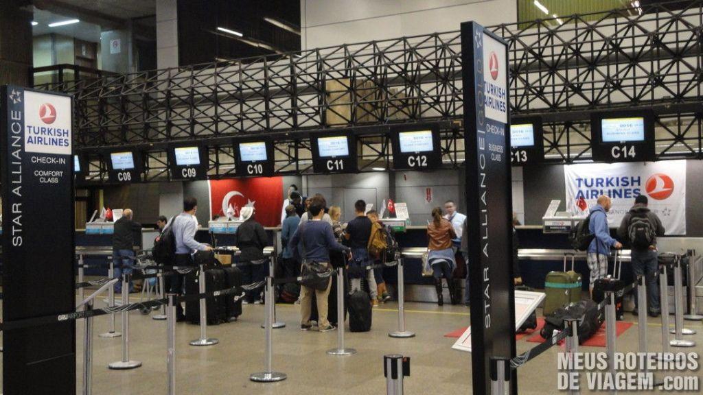 Check-in da Turkish Airlines no Aeroporto de Guarulhos