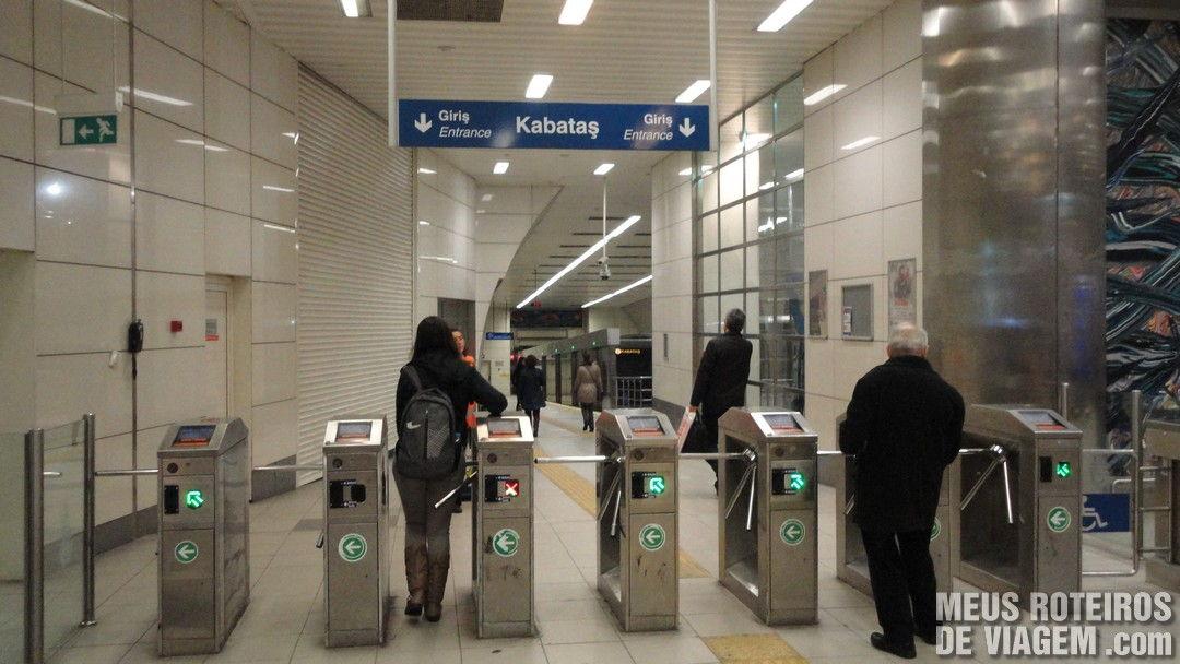 Estação Taksim do Funicular de Istambul - Turquia
