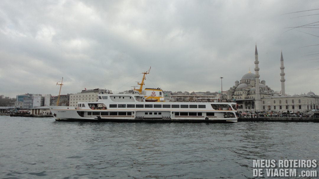 Barco para cruzar o Bósforo - Istambul, Turquia