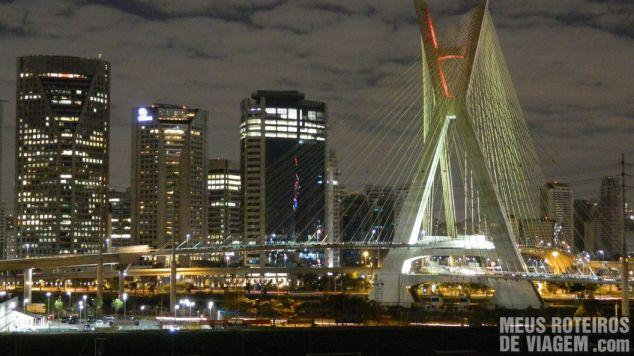 Ponte estaiada vista do Hotel Novotel São Paulo Morumbi