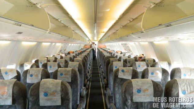 Interior do Boeing 737-800 da Gol