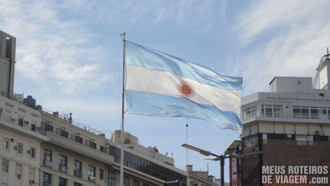 Bandeira da Argentina no centro de Buenos Aires
