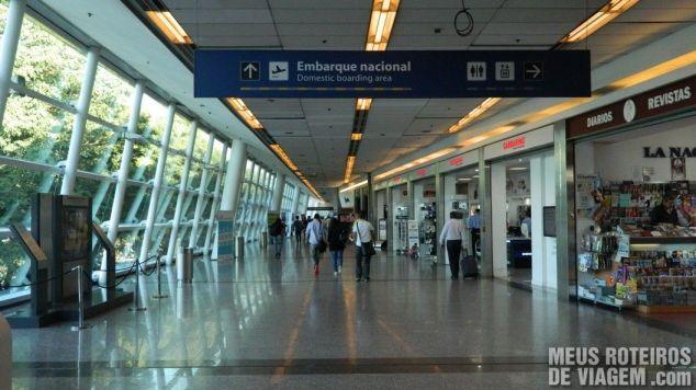 Corredor de acesso ao embarque doméstico no Aeroparque - Buenos Aires