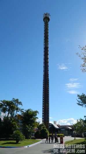 Elevador Big Tower - Parque Beto Carrero World Penha/SC