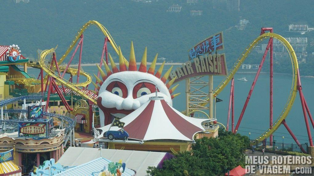 """Montanha-russa """"Hair Raiser"""" - Ocean Park, Hong Kong"""