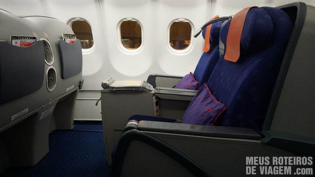 Assento da classe executiva da Hong Kong Airlines
