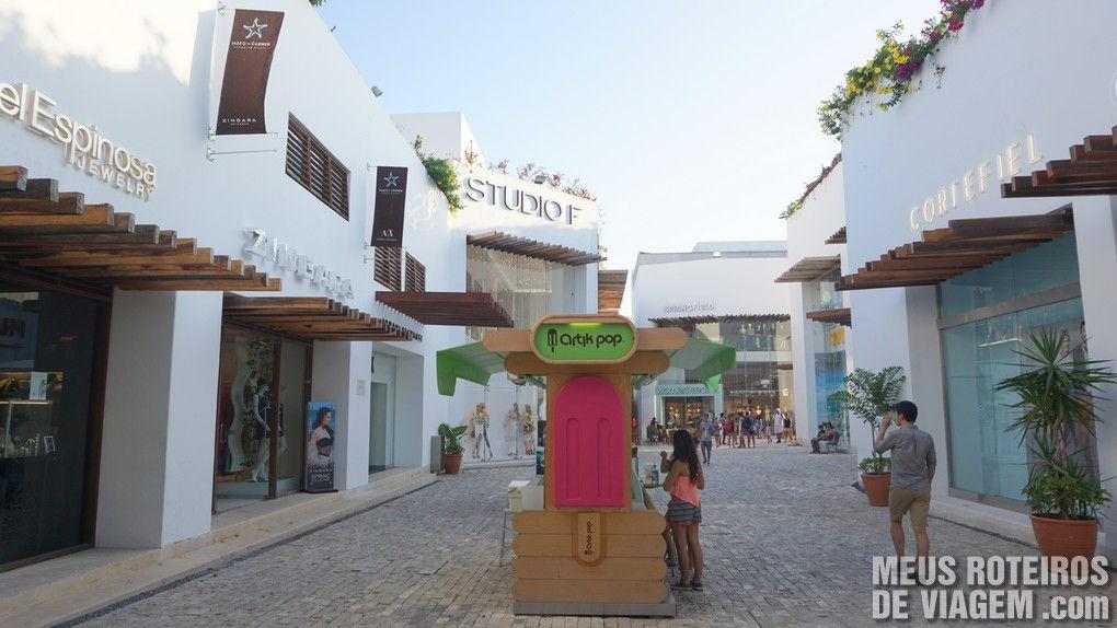 Shopping Paseo del Carmen - Playa del Carmen