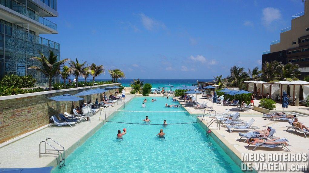 Piscina do Hotel Secrets The Vine Cancun