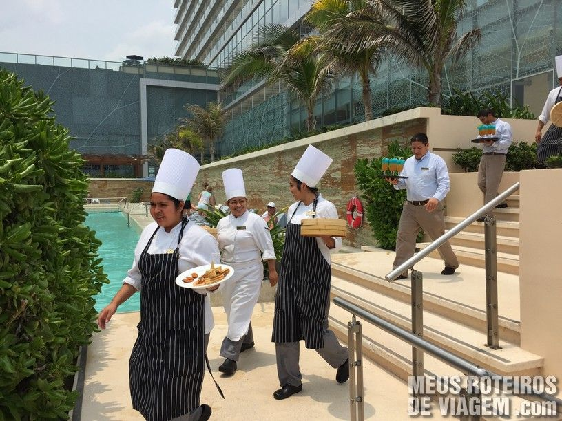 Parada dos chefs no Secrets The Vine Cancun